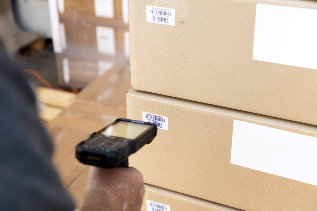 warehouse scanner scanning label